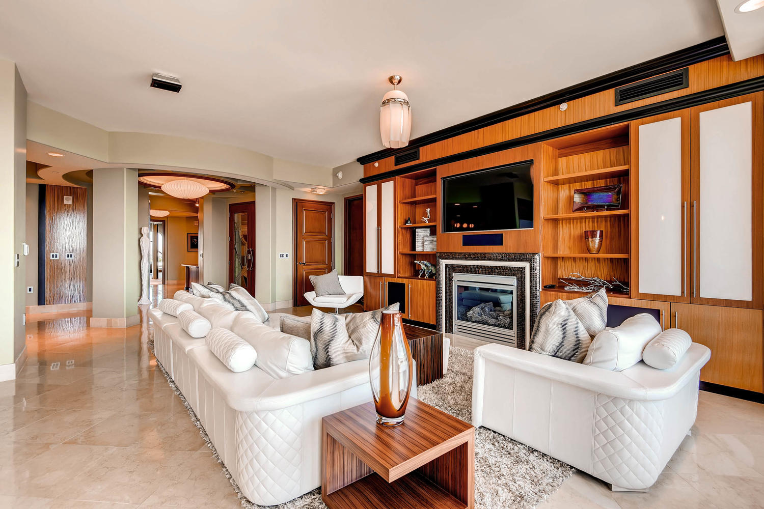 9103-alta-603-las-vegas-nv-large-006-8-living-room-1500×1000-72dpi