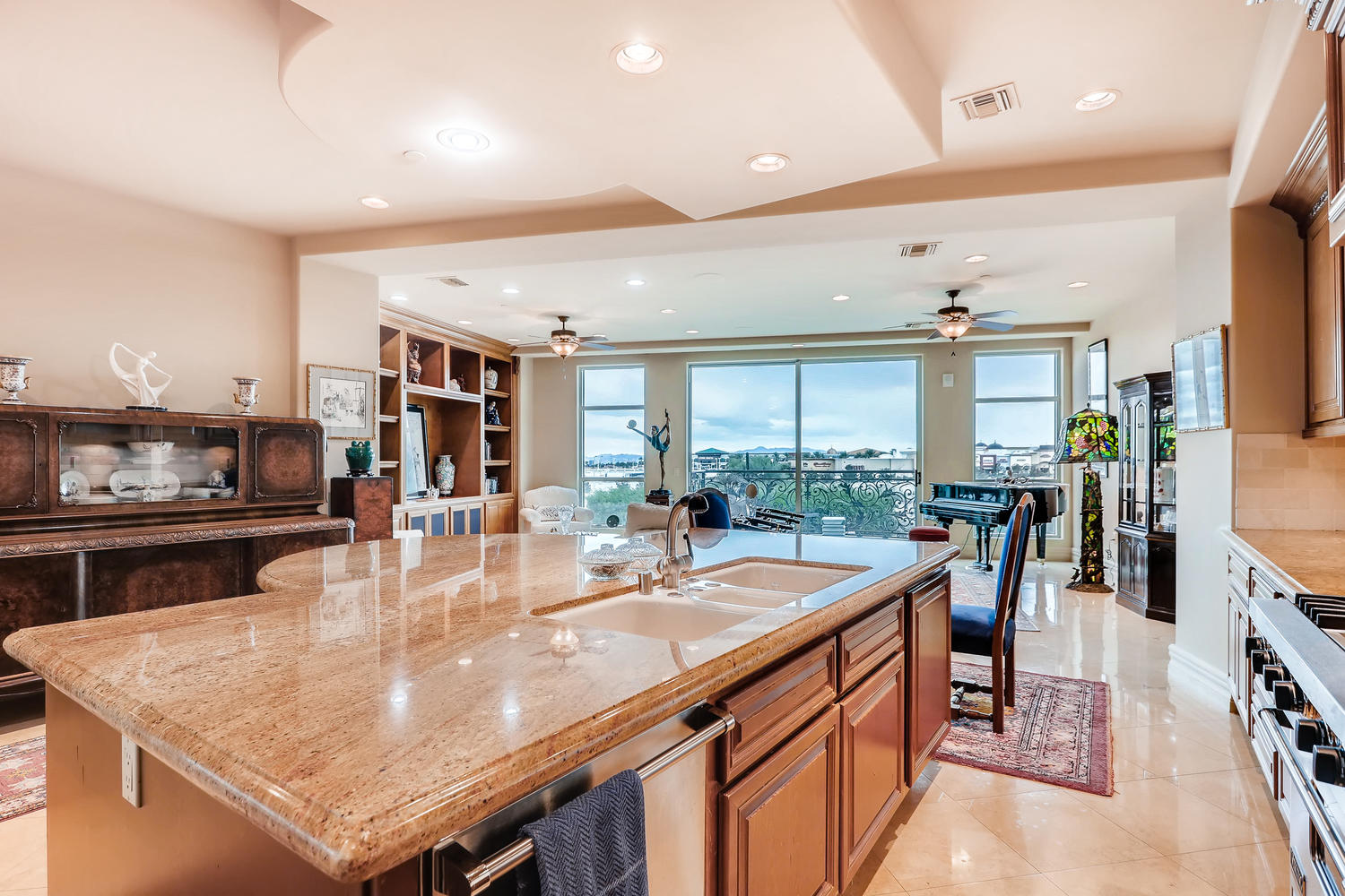 9101-alta-16-las-vegas-nv-large-005-1-kitchen-1500×1000-72dpi