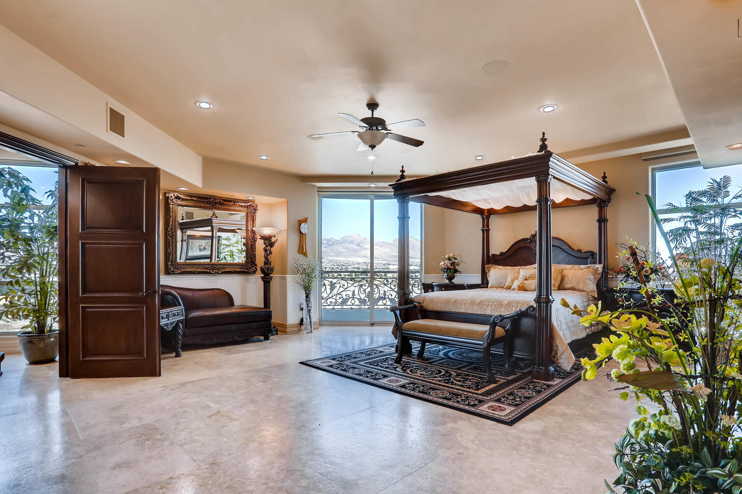 9103-alta-1501-las-vegas-nv-large-017-9-master-bedroom-1500×1000-72dpi