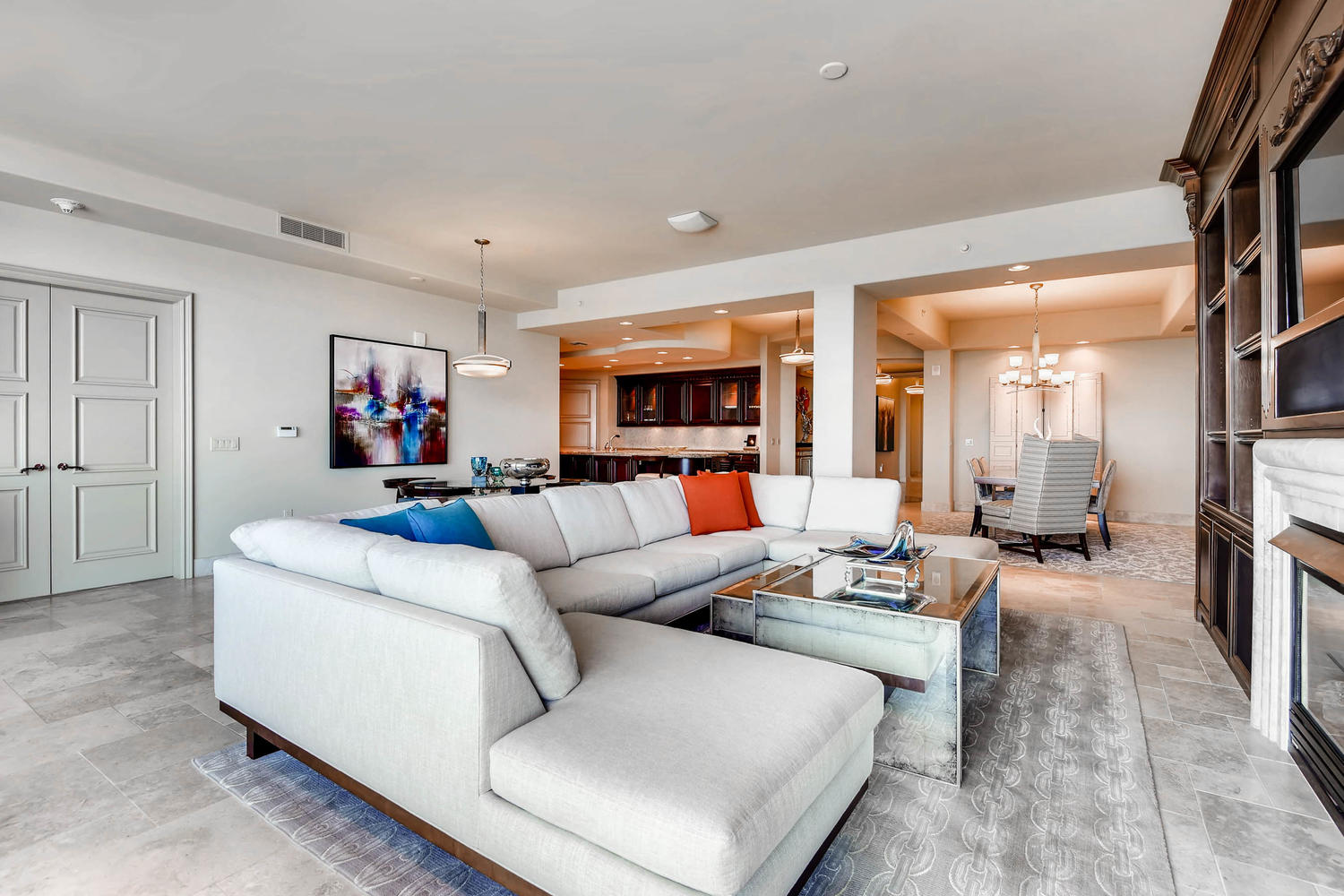 9103-alta-805-las-vegas-nv-large-008-7-living-room-1500×1000-72dpi