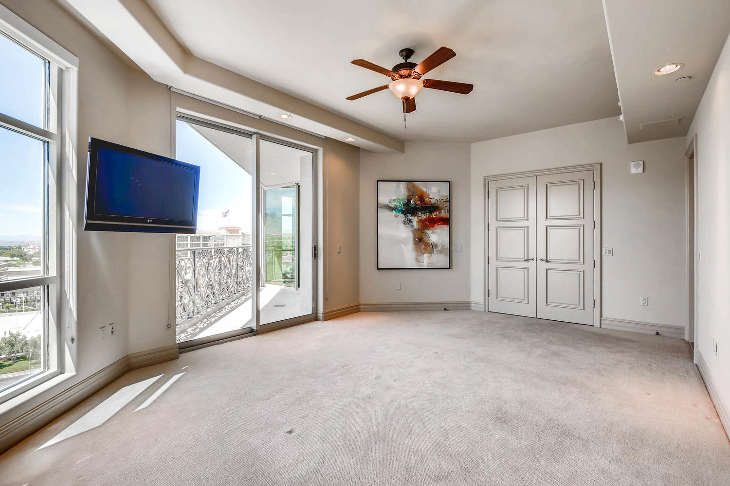 9103-alta-805-las-vegas-nv-large-017-21-master-bedroom-1500×1000-72dpi