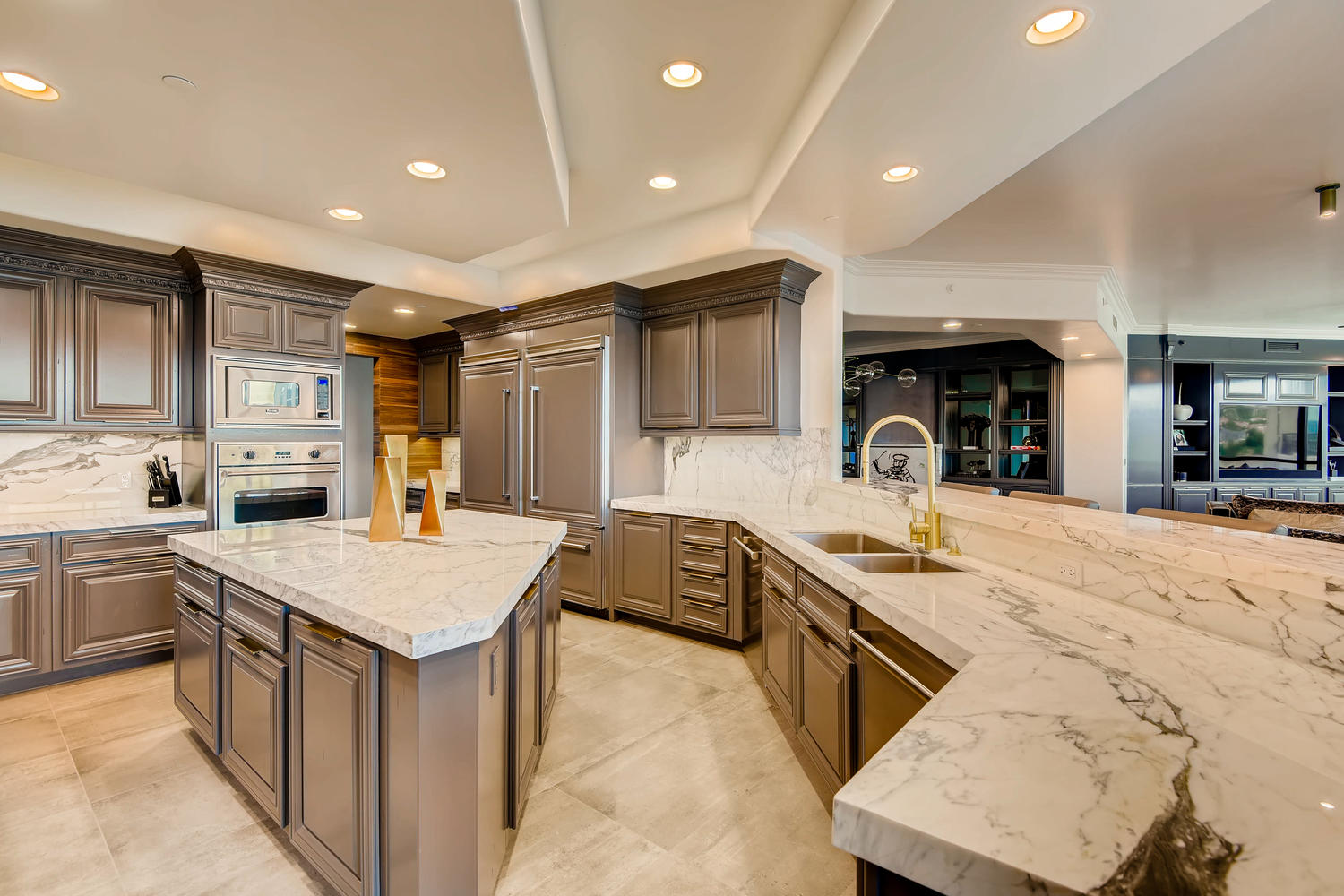 9101-alta-1201-las-vegas-nv-large-010-006-kitchen-1500×1000-72dpi