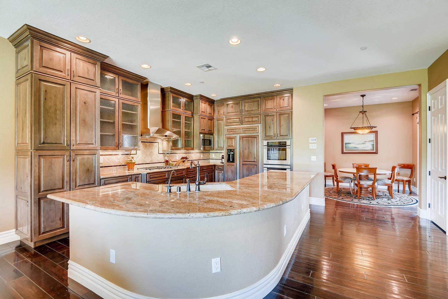 2155-alcova-ridge-las-vegas-nv-large-010-011-kitchen-1500×1000-72dpi
