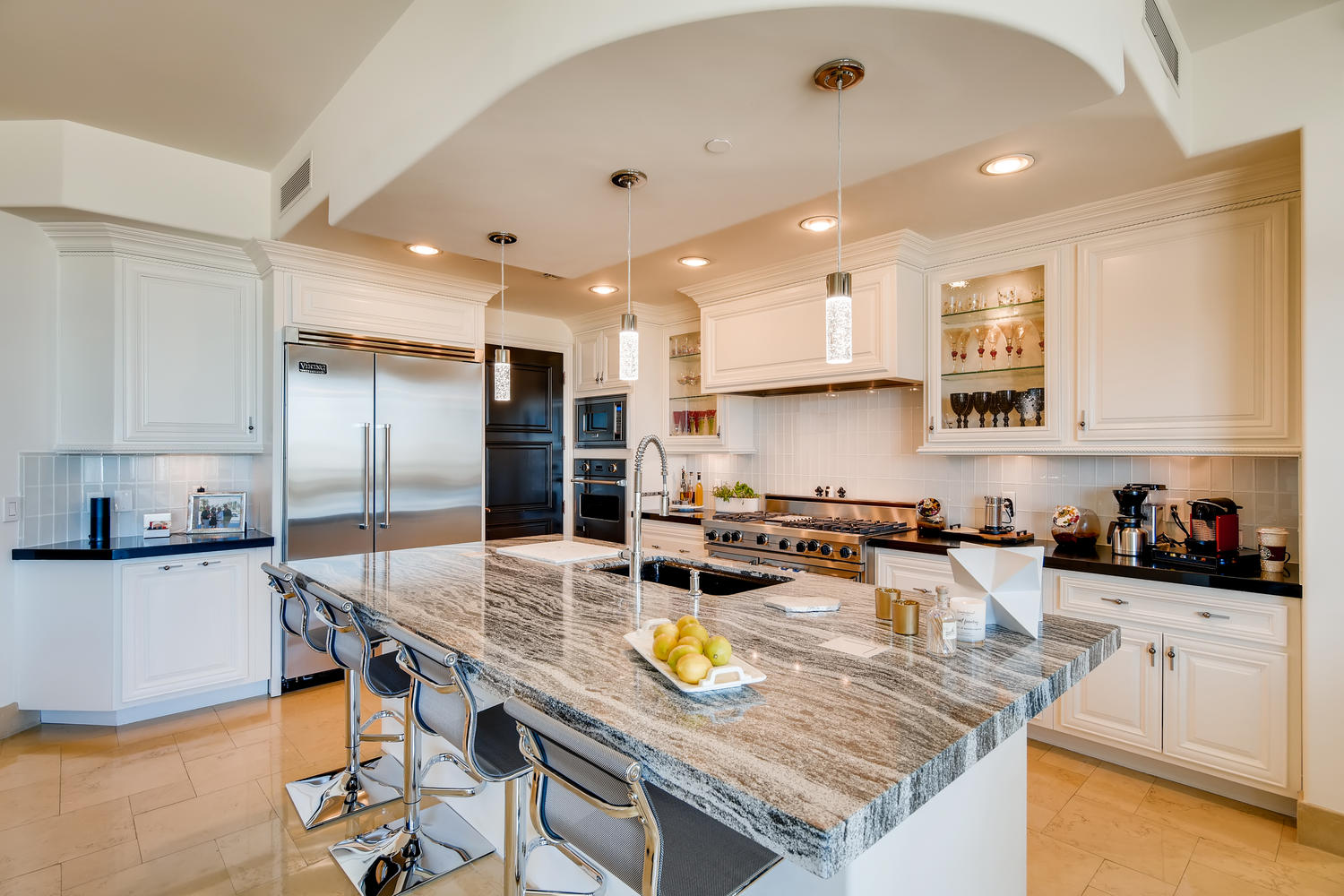 9103-alta-907-las-vegas-nv-large-009-007-kitchen-1500×1000-72dpi