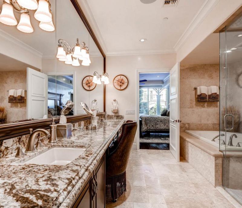 9101-alta-dr-103-las-vegas-nv-large-015-13-master-bathroom-1500×1000-72dpi